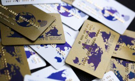 Carte de débit ou crédit, comment choisir?