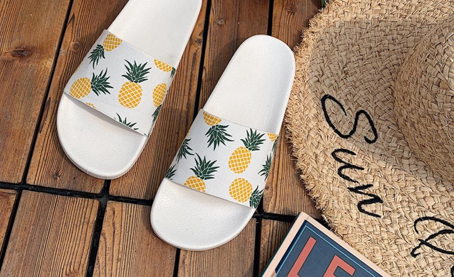 Le grand retour des claquettes comme chaussures d'été : la tendance mode 2020 !